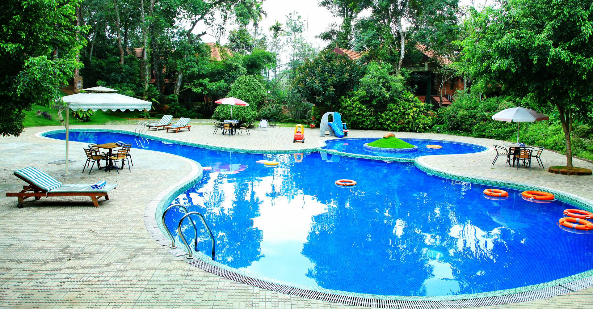 Swimming Pool at Green Gates Hotel